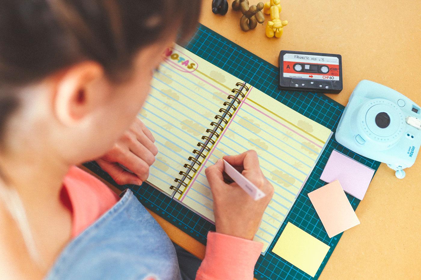 ¿Agenda o cuaderno? ¡Ambas! Incluye páginas extra para tus anotaciones.